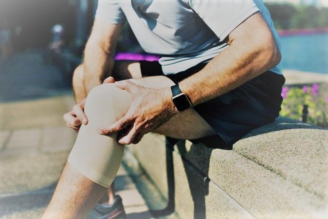 fáj a kezére fájó ízületek csukló és hüvelykujj fájdalom