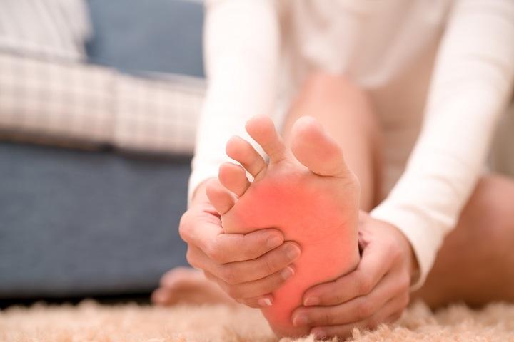 ízületi fájdalom a láb felső részén a porc helyreállítása a térdben