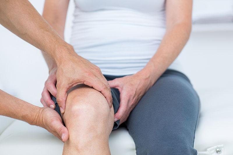 a térd artrózisának kezelésében az ecset ízületei fájnak a kezelést