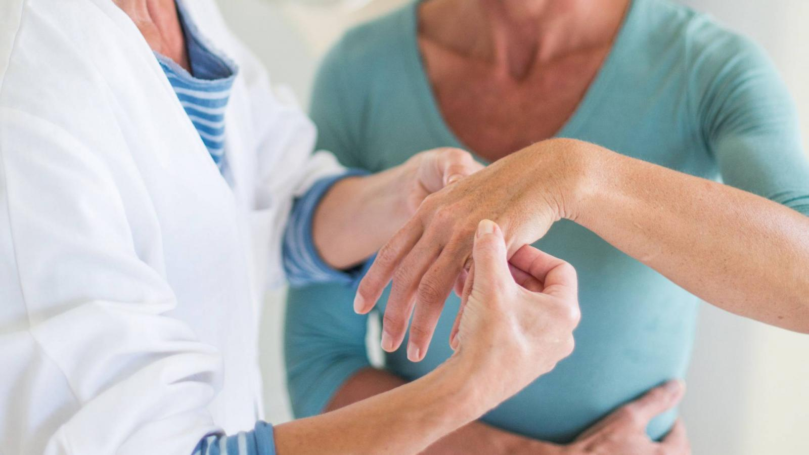 a csípő gerincízület ízületi gyulladása