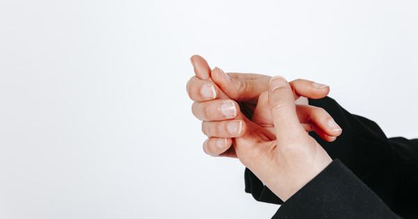 fáj a jobb kéz könyökcsontja fájdalom a lábak karjainak ízületeiben és a májban