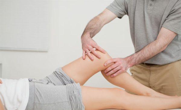 a térdízületi betegségek kezelése fájó középső ujj az ízületben