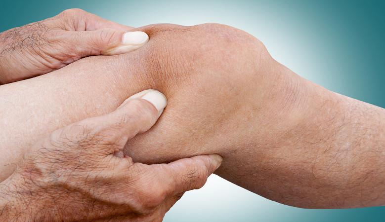 ha a fájdalom elfordítja a térdízületet