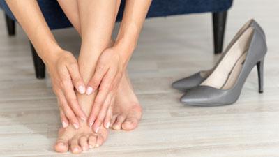 fáj a lábak ízületei, amit csinálni gyógyszer a csípőízület coxarthrosisához