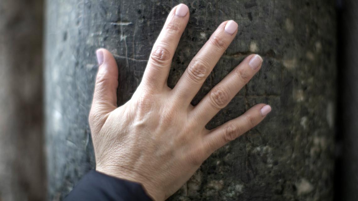ízületi fájdalom és az ujjak zsibbadása