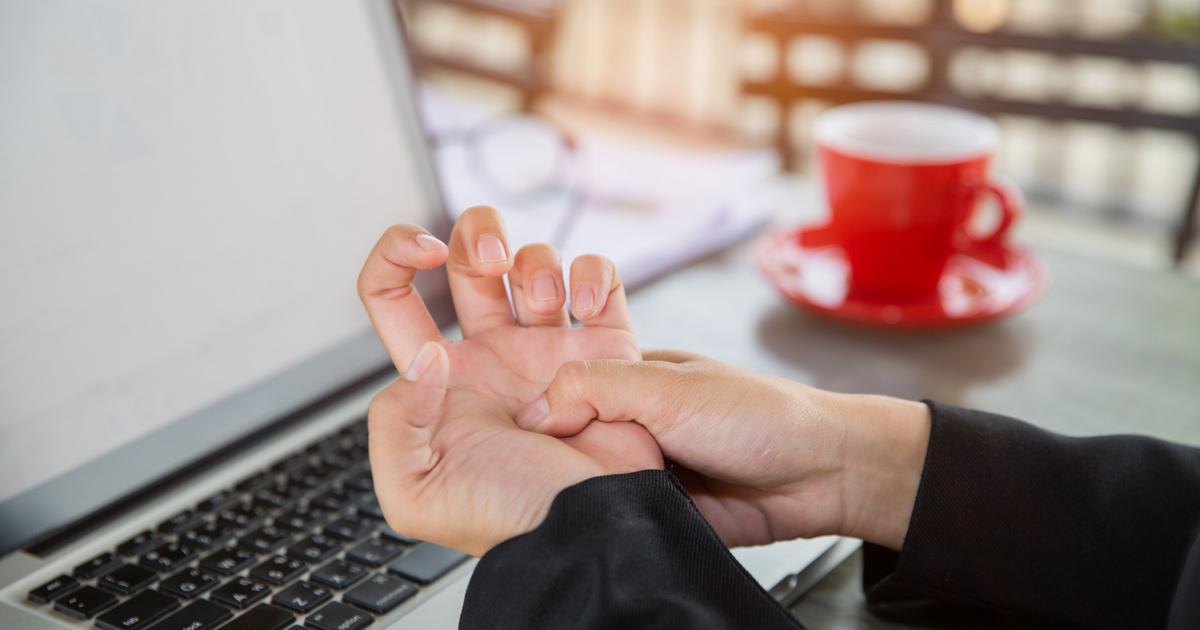 a hüvelykujj kezelés rheumatoid arthritis a csípőfájdalom az alsó lábszárhoz vezet