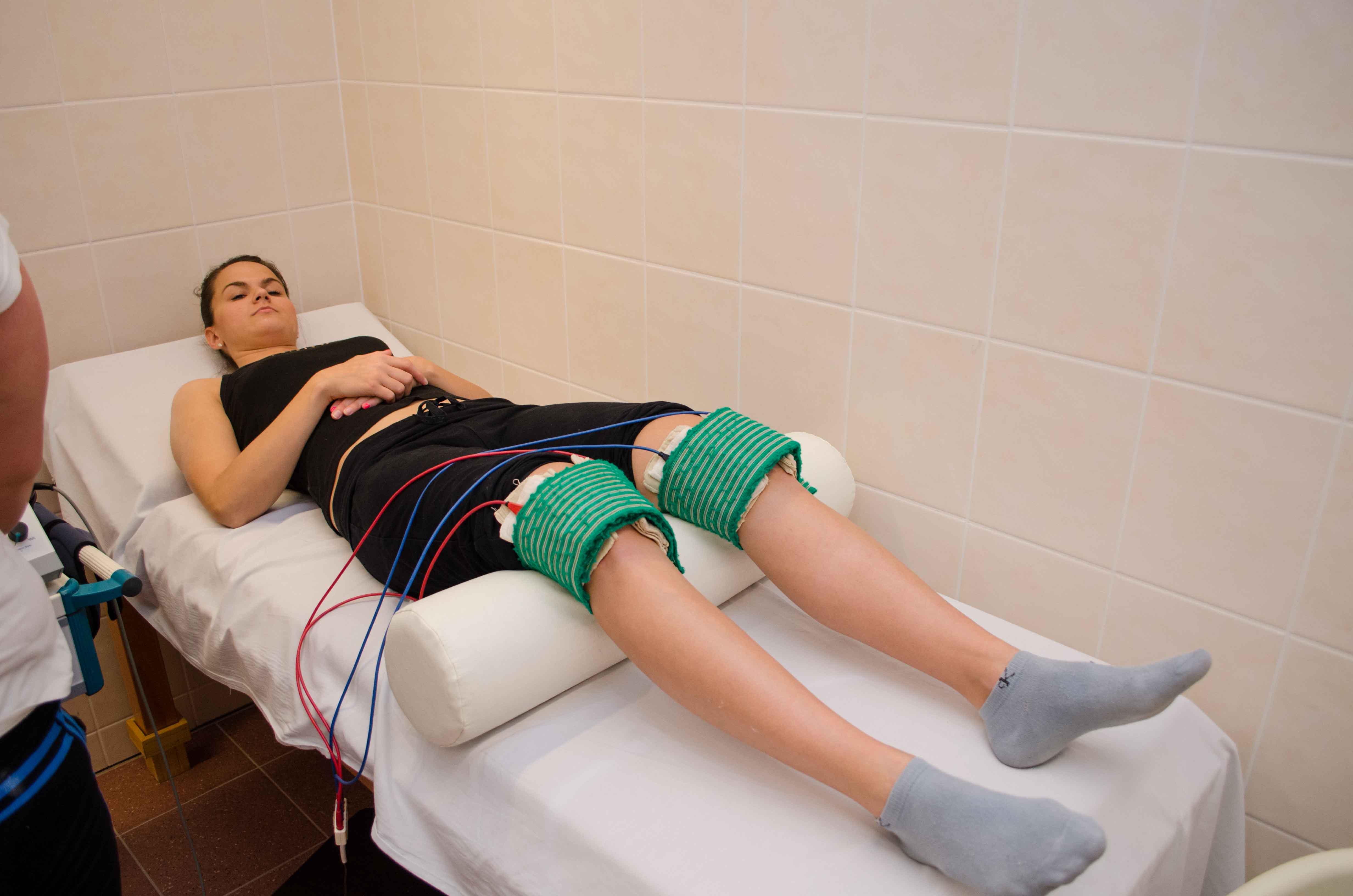 ízületi kezelés fizikai helyiségben lábízületi gyulladás tünetei és kezelése